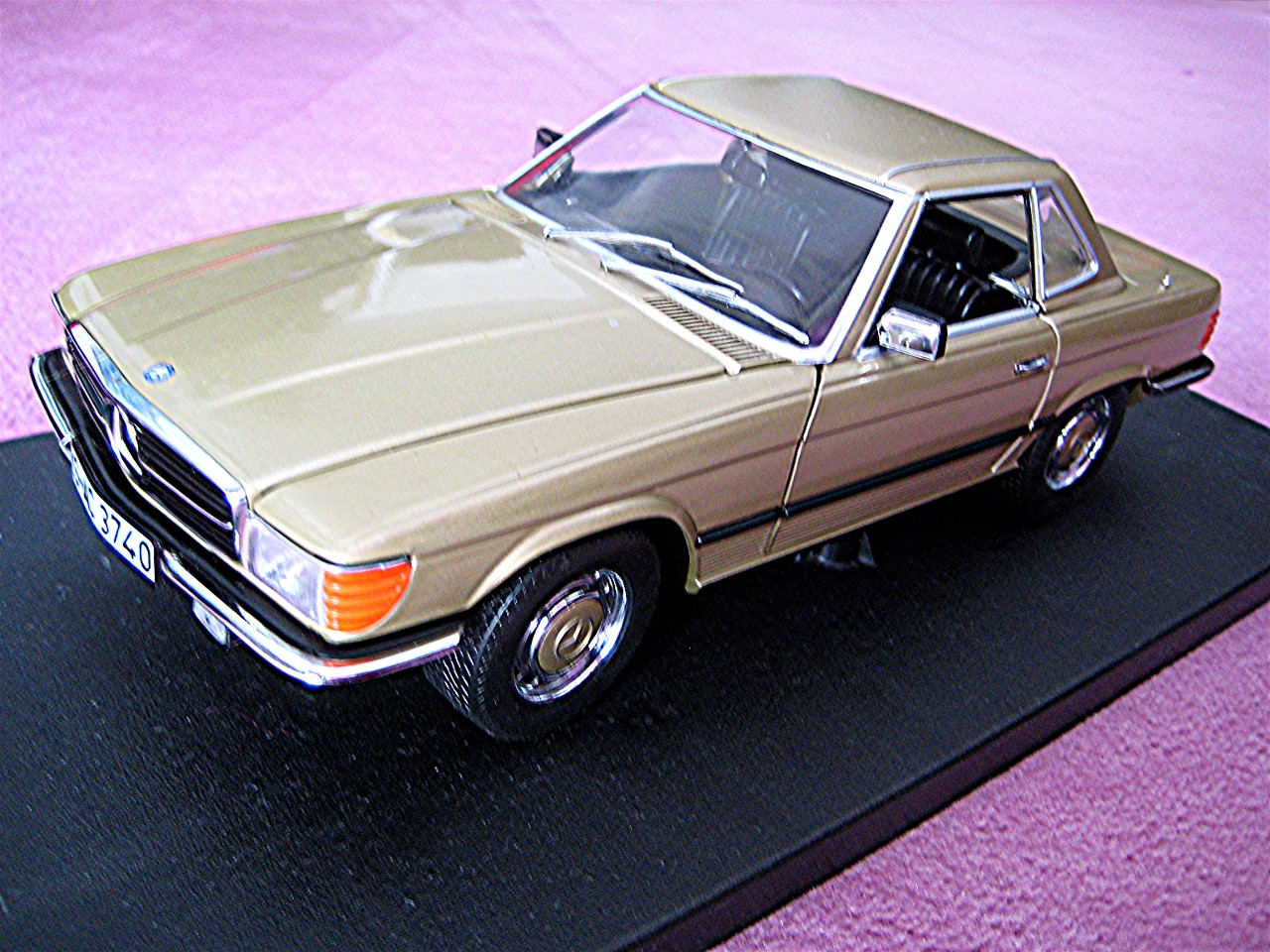 1:18 Mercedes 350 SL Coupe gold 1977